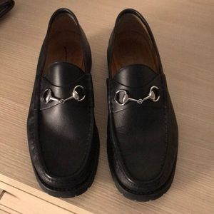 Men's Gucci black leather loafers